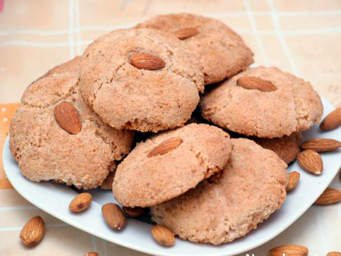Almond biscuits in Armenia